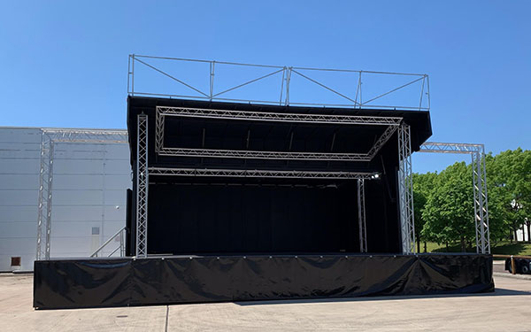 ES40 Mobile stage