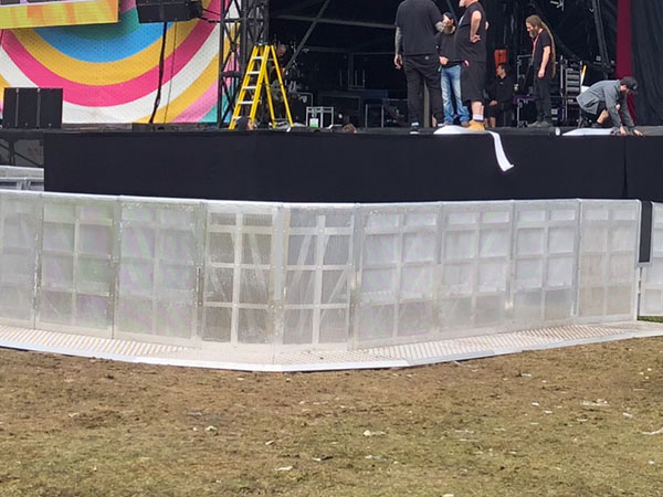 Pit barriers